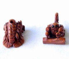 SCORPIO! CARVED Scorpion BOXWOOD Bead 4128CF - Premium Bead
