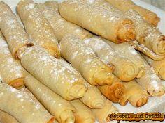 Putisoare - www. Romanian Food, Sausage, Deserts, Dessert Recipes, Chicken, Hot, Ethnic Recipes, Sausages, Postres