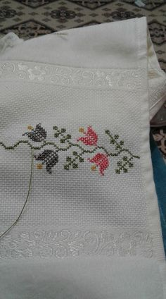 This post was discovered by Salime zengin. Discover (and save!) your own Posts on Unirazi. Cross Stitch Borders, Cross Stitch Designs, Cross Stitch Patterns, Towel Embroidery, Cross Stitch Embroidery, Motifs Granny Square, Bargello, Needlework, Diy And Crafts