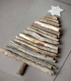 Very nice DIY Christmas cards! But if you are not so good at the DIY stuff… Diy Christmas Cards, Noel Christmas, Christmas Crafts For Kids, Homemade Christmas, Rustic Christmas, Holiday Crafts, Christmas Gifts, Christmas Decorations, Christmas Ornaments