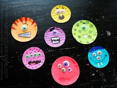 Make the cutest monsters that Halloween has ever seen with simple supplies - a canning lid! Kids of all ages can make this cute Halloween craft.