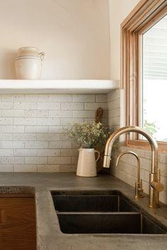 Bathroom Interior Design, Kitchen Interior, Kitchen Design, Kitchen Ideas, Kitchen Decor, Adobe House, Brass Kitchen, Desert Homes, Concrete Countertops