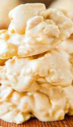 White Chocolate Peanut Butter Cookie Clusters (no-bake) - Peanuts, marshmallows, and Rice Krispies coated in a white chocolate and peanut butter mixture! So easy to make and addictively good!!