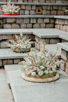Plan Your Wedding, Wedding Blog, Wedding Planner, Wedding Ideas, Flower Plates, Entrance, Photo Galleries, Floral Design, Wedding Inspiration