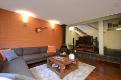 URBAN HOME IN TRENDY MELVILLE