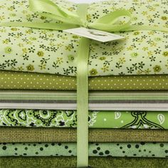Baby Fabric, Cotton Fabric, Textile Design, Fabric Design, Different Types Of Fabric, Quilt Material, Textiles, Fabulous Fabrics, Vintage Fabrics