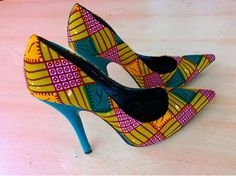This is a LIMITED CUSTOM EDITION African Ankara Clutch high heel shoes that is highly customized, authentic, handmade for the ladies with high quality West African Ankara print fabrics and materials. They are designed by our skilled artisans in West Africa (Ghana).     These shoes are very rare and trendsetters. You will not find them anywhere else! Perfectly designed for weddings, church, prom, balls, lounges, nightclubs and many more...     These shoes are available in all women sizes…