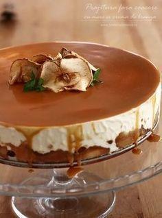 Prăjitură fără coacere, fără ouă, fără făină... chiar și fără zahăr Am făcut această prăjitură fără coacere, cu mere și cremă de brânză, din nevoia de a mă prezenta cu... Sugar Free Desserts, Sweets Recipes, Just Desserts, Delicious Desserts, Cake Recipes, Cooking Recipes, Yummy Food, Romanian Desserts, Pastry Cake