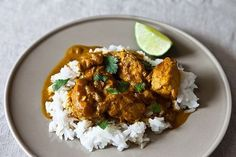 Simple Creamy Chicken Curry | Serve over Minute White Rice and garnish with cilantro for an aromatic and tasty dinner meal.