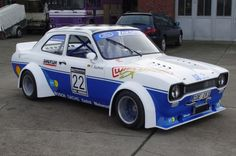 ford escort rs2000.