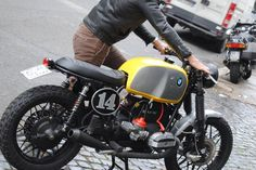 Try this 2 Modern Cafe Racer, Custom Cafe Racer, Cafe Racer Bikes, Cafe Racer Motorcycle, Cafe Racers, Bmw Boxer, Bmw Classic, Classic Bikes, Bmw Motorbikes