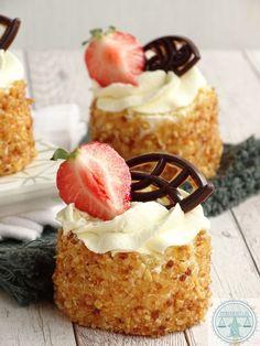 Vegan Breakfast Recipes, Vegan Recipes Easy, Sweet Recipes, Quinoa Salat, Dutch Recipes, Mini Pies, Biscuits, Cupcake Cakes, Sweet Tooth