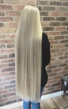 Beautiful Long Hair, Gorgeous Hair, Most Beautiful Women, Perfect Blonde Hair, Long Blond, Layered Cuts, Height And Weight, Hair Pictures, Female Images