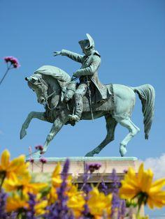 Napoleon, Cherbourg France Napoleon Quotes, Napoleon Josephine, Empire, Cherbourg, Sculptures, Lion Sculpture, French History, British Soldier, Napoleonic Wars