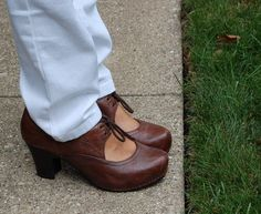 Dansko Rory from the Rio Collection of wooden heels with cushioned footbeds.