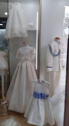 Gran variedad en vestidos y trajes de #comunión, #arras y #bautizo con todos sus complementos en #Albacete