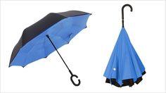 Aufgeklappt sieht der Suprella aus wie ein gewöhnlicher Regenschirm, zusammengeklappt könnte man meinen, er steht auf dem Kopf. Er funktioniert ...