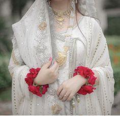 Source by sairamashhood dress Latest Bridal Dresses, Bridal Mehndi Dresses, Nikkah Dress, Shadi Dresses, Pakistani Wedding Outfits, Bridal Dress Design, Pakistani Bridal Dresses, Pakistani Wedding Dresses, Wedding Dresses For Girls