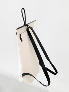 shop and bag black oversized bag online shopping for ladi Backpack Bags, Leather Backpack, Leather Bag, White Leather, My Bags, Purses And Bags, Minimalist Bag, Back Bag, Bag Patterns To Sew