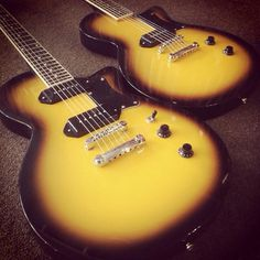 Belvedere Jr. 2 and 1 pickup models in Melody Burst with set necks and solid mahogany bodies!