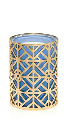 Our hand-poured Westerly Candle makes an elegant gift and a chic addition to the home | Tory's Gift Guide