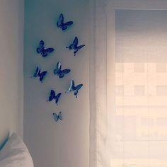 Gracias a @su_martin_amo por hacernos llegar la foto de cómo le han quedado nuestras #mariposas 🦋 🦋 adhesivas para colocar donde quieras. 😍😍 Han quedado muy bonitas!!!! #myhouse #mariposas #decochula #inspiration #micasa #yoloquiero #ideasdcor #ideaspararegalar Chula, Home Decor, Adhesive, Original Gifts, Butterflies, Thanks, Interior Design, Home Interior Design, Home Decoration