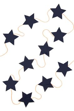 Women's, Men's and Kids Clothing and Accessories Light Garland, Diy Garland, Kid Spaces, Kidsroom, Beautiful Children, Boy Room, Bunting, Kids Outfits, Diy Projects