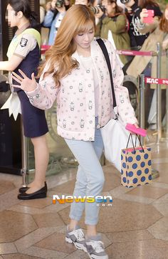 snsd taetiseo tiffany kpop airport fashion