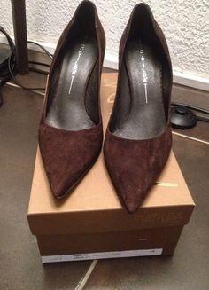 A vendre sur #vintedfrance ! http://www.vinted.fr/chaussures-femmes/escarpins-and-talons/19970346-escarpins-daim-marron-italien
