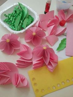 Origami, Craft Ideas, Crafts, Spring, Manualidades, Origami Paper, Handmade Crafts, Craft, Arts And Crafts