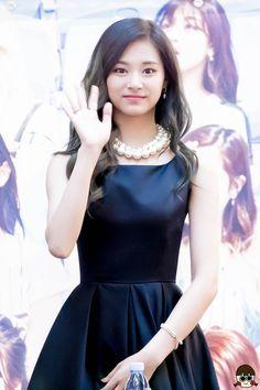 [2016.05.14] Fansign in Yeongdeungpo IFC Mall, Music Core - Album on Imgur