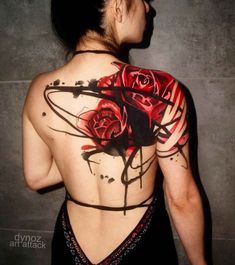 Big Rose Tattoo on Shoulder Blade Tattoo by Dynoz Art Attack Trendy Tattoos, Sexy Tattoos, Body Art Tattoos, Tattoos For Guys, Cool Tattoos, Awesome Tattoos, Female Tattoos, Dream Tattoos, Line Tattoos