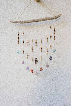 DIY Wanddeko mit Steinen, Treibholz und Holzperlen