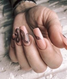 How to succeed in your manicure? - My Nails Edgy Nails, Aycrlic Nails, Trendy Nails, Hair And Nails, Nail Nail, Glitter Nails, Grunge Nails, Black Nails, Stiletto Nails