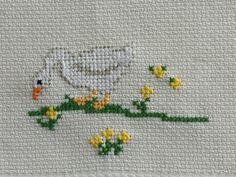 Cross Stitch Needles, Cross Stitch Bird, Beaded Cross Stitch, Cross Stitch Designs, Cross Stitch Embroidery, Cross Stitch Patterns, Knitting Patterns, Peacock Mehndi Designs, Christmas Cross