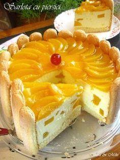 sarlota-cu-piersici-0 Romanian Desserts, Romanian Food, Sweet Tarts, Pie Dessert, Desert Recipes, Eat Cake, Nutella, Sweet Recipes, Cookie Recipes