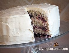 Wow! I wish I could have a piece of this Blackberry Cake, doesn't it look delicious?  Homemade Blackberry Cake Recipe by LivingLocurto.com