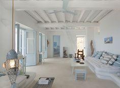 White Stucco Creates An Inspiring Vision