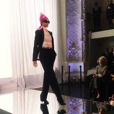 """A top @anna_vrc é quem abre o desfile de @jpgaultierofficial com o look """"elle prend les deux vents"""". O clique é da nossa diretora de moda @barbaramigliori direto da primeira fila do show em Paris. #voguenacouture  via VOGUE BRASIL MAGAZINE OFFICIAL INSTAGRAM - Fashion Campaigns  Haute Couture  Advertising  Editorial Photography  Magazine Cover Designs  Supermodels  Runway Models"""