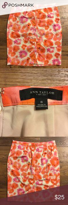 Ann Taylor orange pink floral skirt size 6 Lined. Back zipper. Back slit. Gently used. Ann Taylor Skirts Pencil