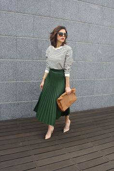 Very Lovely Skirts, Skirtsuits, and Dresses Cute Modest Outfits, Modest Dresses, Stylish Dresses, Casual Outfits, Midi Skirt Outfit, Pleated Midi Skirt, Skirt Outfits, Modest Fashion, Skirt Fashion