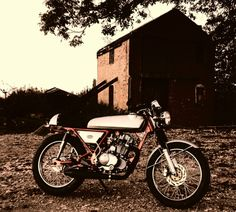 http://www.f2motorcycles.co.uk/eff%20too%20cafe%20racer.html