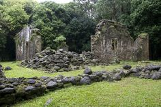 These 11 Trails In Hawaii Will Lead You To Extraordinary Ancient Ruins