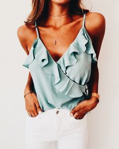 Don't know which summer colours to choose for your summer outfits? Here is a list of the ultimate Summer fashion colours you need to add to your outfits! Mode Outfits, Casual Outfits, Fashion Outfits, Womens Fashion, Fashion Ideas, Ladies Fashion, Girly Girl Outfits, Ladies Outfits, Ladies Clothes