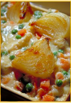 Sweet onion information, sweet onion recipes - Lots of onion recipes and tips/tricks. Fresh Vegetables, Fruits And Veggies, Sweet Onion Recipe, Baked Blooming Onion, Grilling Recipes, Cooking Recipes, Diy Smoker, Caramelized Onions Recipe, Time Website