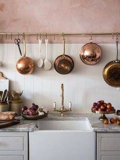 Vintage Kitchen Room of the Week :: Pink Plaster Walls in a Farmhouse Kitchen - coco kelley coco kelley - While this entire Room of the Week is stunning, the pink plaster walls and green thonet chairs had us at hello in this farmhouse kitchen dining room. Kitchen Decor, Kitchen Inspirations, New Kitchen, Kitchen Interior, Vintage Kitchen, Kitchen, Pink Kitchen, Copper Kitchen, Kitchen Dining Room