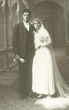 Images de TENES :: Famille MOLLA :: Fran_ois_FENOLL_et_Jos_phine_Fenoll_n_e_Martinez_famille_de_Loulou_Xicluna_leur_mariage_en_1930