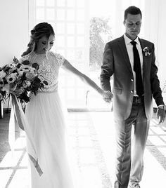 modest wedding dress with cap sleeves from alta moda bridal (modest bridal gowns) photo by @paigeburnphotography