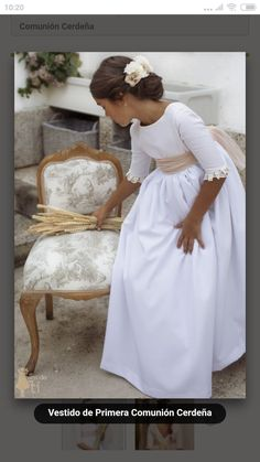 Comunion - #comunión #PeinadosComunionNiña #Peinadosparaniñasdefiesta #Peinadosparaprimeracomunion #Tocadoscomunionniña #Tocadosprimeracomunion #Vestidosdecomunion2019 #Vestidosdeprimeracomunionniña Girls First Communion Dresses, Holy Communion Dresses, Baptism Dress, Girls White Dress, Little Girl Dresses, Flower Girl Tutu, Flower Girl Dresses, Flower Girls, Première Communion
