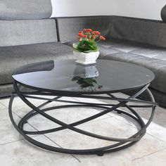 Toughened glass tea table. The creative circle, wrought iron table.